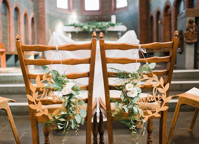 Brautstuhl-Schmuck für die Hochzeits-Zeremonie in der Kirche - Kerstin Adrian
