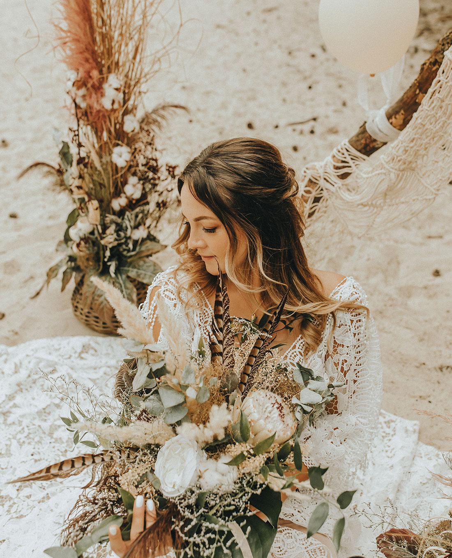 Brautstrauss und Hochzeitsdekoration im 'Boho-Style' -Kerstin Adrian